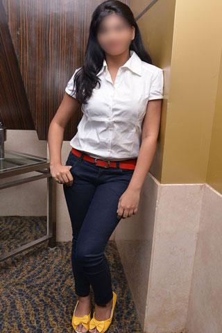 Alina Khan